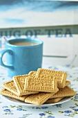 Malted milk biscuits with tea (UK)