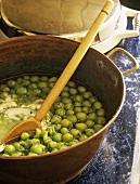 Preparing cold gooseberry soup