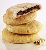 Chorley cakes (Fruit-filled shortcrust pastry cakes, England)