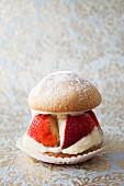 Small strawberry sponge cake