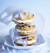 Cranberry sandwich cookies with white chocolate cream (Xmas)