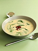 Artichoke soup with bacon