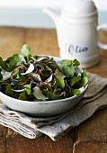 Watercress salat with fried red onions