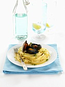 Pasta alla barese (Pasta with mussels in wine, Italy)