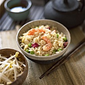 Fried rice with prawns and sprouts (China)