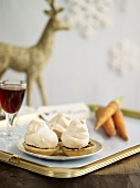 Mince pies with meringue topping