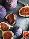 Fresh red figs on a tin tray