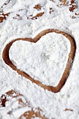 Heart in icing sugar