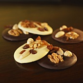Florentine with nuts and raisins