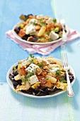 Eichblattsalat mit Hähnchen, Blauschimmelkäse, Birnen und Senfdressing