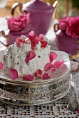 Ice cream cake with Turkish Delight and rose petals
