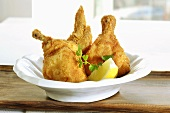 Fried chicken with lemons
