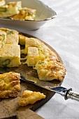 Frittata con asparagi e formaggio (asparagus and cheese omelette)
