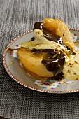 Pere al cioccolata con zabaione di Prosecco (caramelised pears)