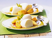 Buttermilk mousse on caramelised apples