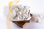Meringue biscuits as a gift