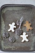 Gingerbread cookies and Elisen-Lebkuchen on a board