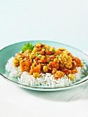Tari Aloo (Gemüsegericht, Indien) auf Reis