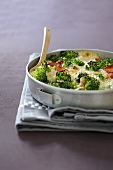 Broccoli au gratin with bacon and bran