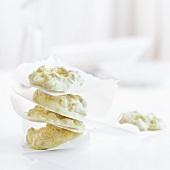 White chocolate-müsli cookies