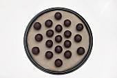 Small balls of cake (for cake pops)