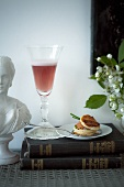 Kir Royal and puff pastry with salmon tartar