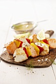 Salmon kebabs with pepper