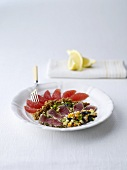 Arcobaleno (appetizer with tuna, grapefruit, figs and olives)