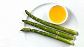 Green asparagus with butter sauce