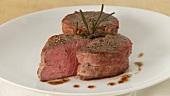 Rinderfilet (Filet Mignon) im Speckmantel
