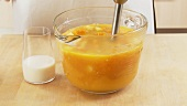 Pumpkin soup being pureed (German Voice Over)