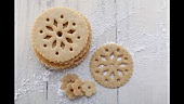 Lace-patterned biscuits