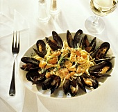 Linguini with Mussels; Vegetable Sauce