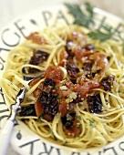 Spaghetti alla tropeana (Spaghetti with dried tomatoes)