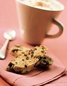 Biscotti con scaglie di cioccolato (Chocolate chip biscotti)