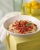 Spaghettini al pomodoro crudo (Dünne Spaghetti mit Tomaten)