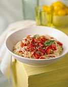 Spaghettini al pomodoro crudo (Thin spaghetti with tomatoes)