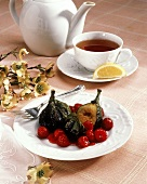 Grilled Figs with Raspberry Sauce; Tea