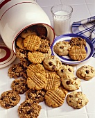 Assorted Cookies: Oatmeal Raisin, Peanut Butter and Chocolate Chip""