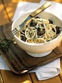 Linguine ai funghi (Ribbon pasta with mushrooms & rosemary)