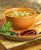 Pea soup with sour cream