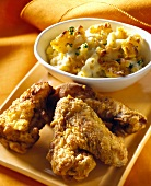 Chicken Wings und Macaroni and Cheese