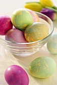 Marbled, coloured Easter eggs