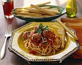 Pasta con le polpette (Spaghetti with meatballs and sauce)