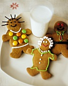 Gingerbread figures and a glass of milk for children
