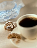 Caffè e amaretti (Black coffee and almond biscuits, Italy)