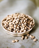 Black-eyed peas in a shallow bowl