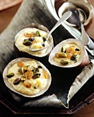Pudding with raisins and pistachios