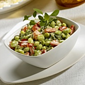 Soya bean salad with peppers, oregano and cream dressing