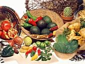 Stillleben mit exotischen Obst- & Gemüsesorten aus Südamerika